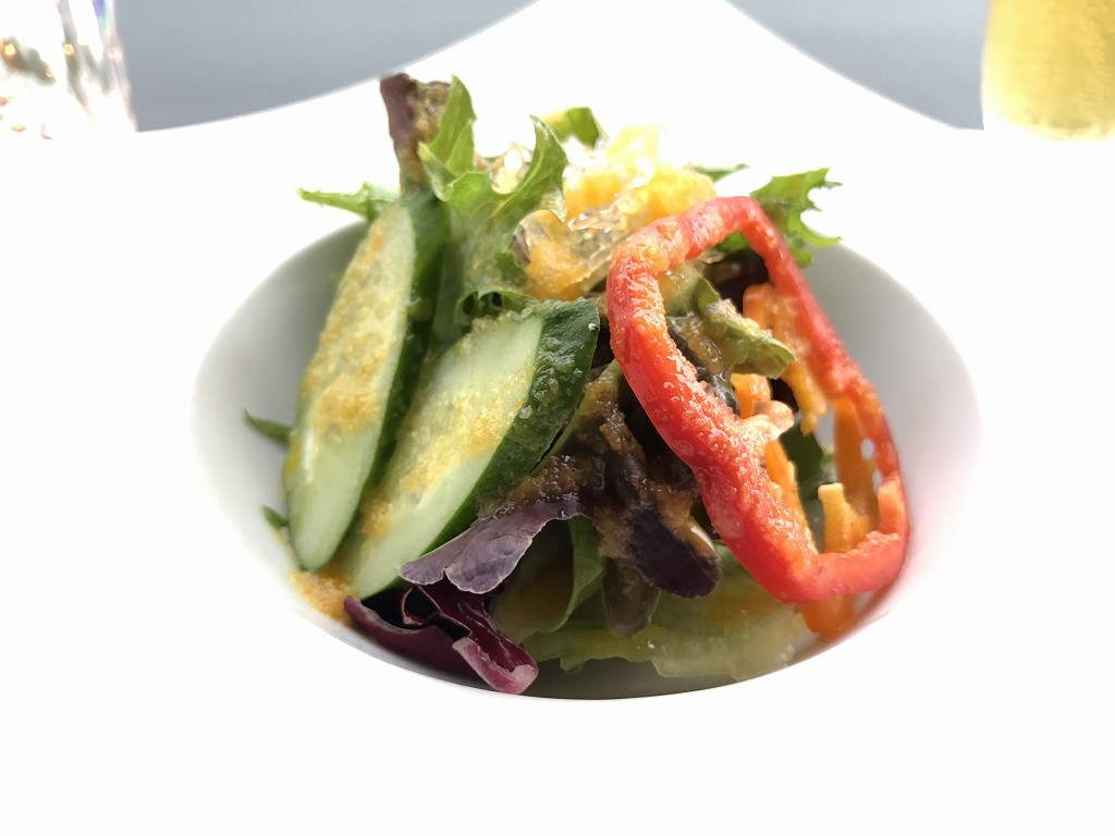銀座みやちく竹芝店のサラダ