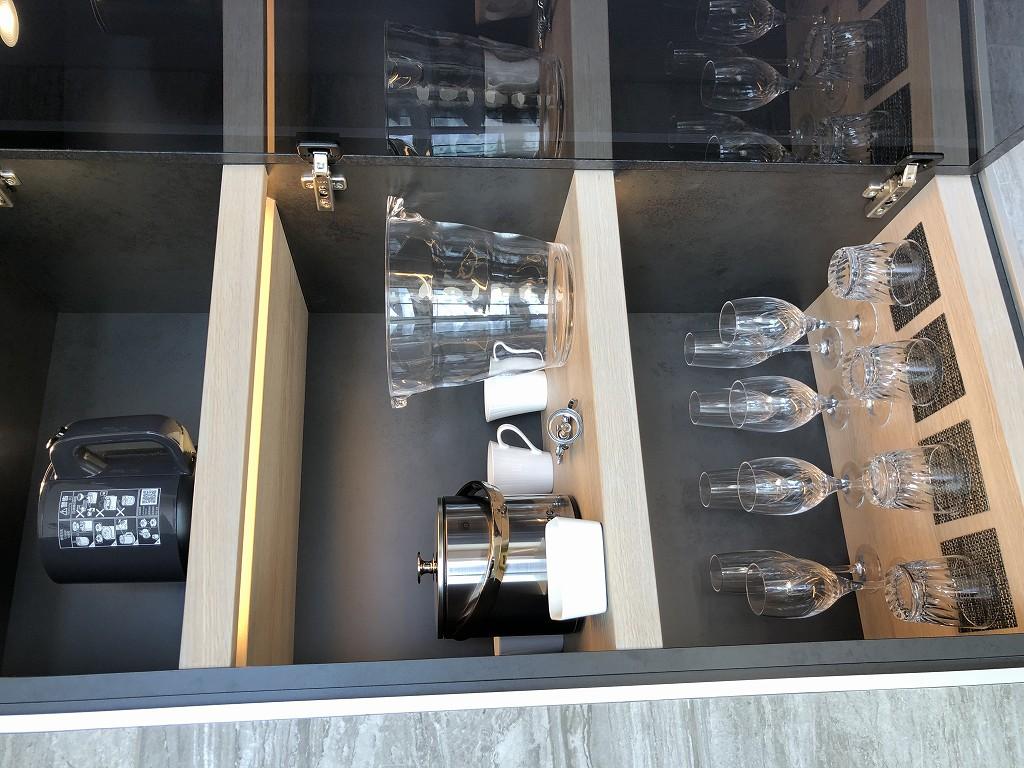 三井ガーデンホテル神宮外苑の杜プレミアのジュニアスイートキングのグラス類