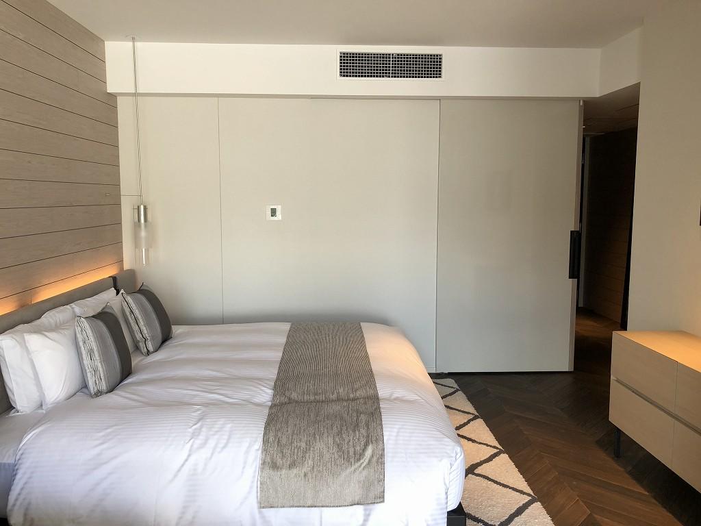 三井ガーデンホテル神宮外苑の杜プレミアのジュニアスイートキングのスライドドア