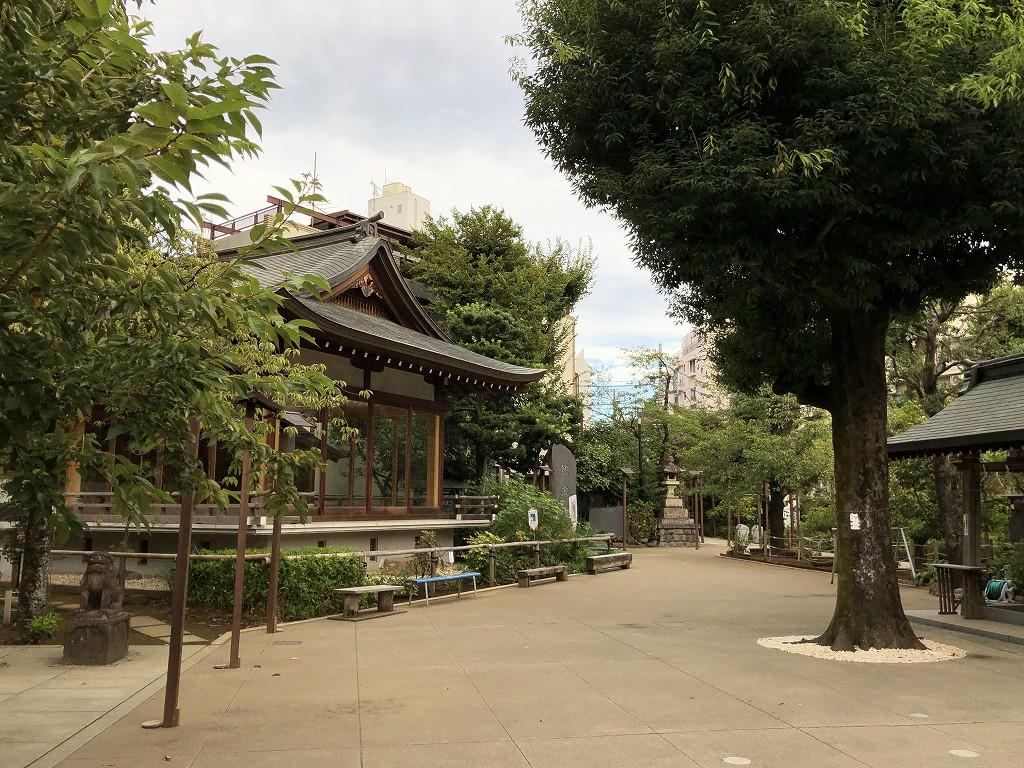 鳩森八幡神社の神楽殿