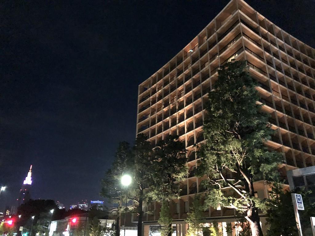 三井ガーデンホテル神宮外苑の杜プレミアの外観(夜)