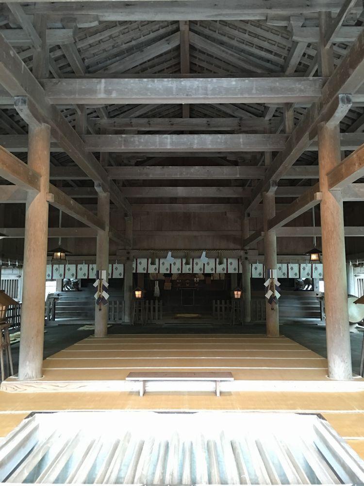 美保神社の拝殿の梁