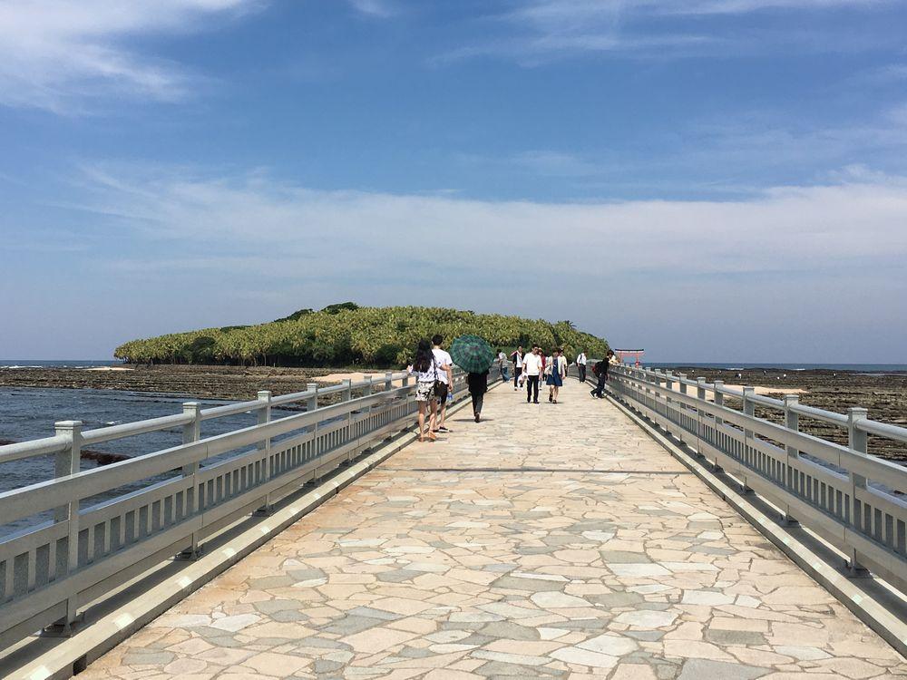 青島神社の弥生橋