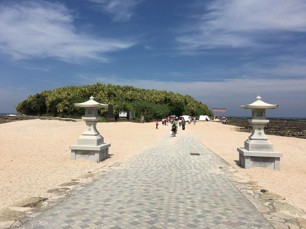 青島神社の石灯籠