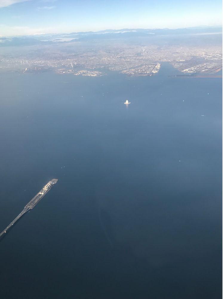 飛行機から海ほたると風の塔