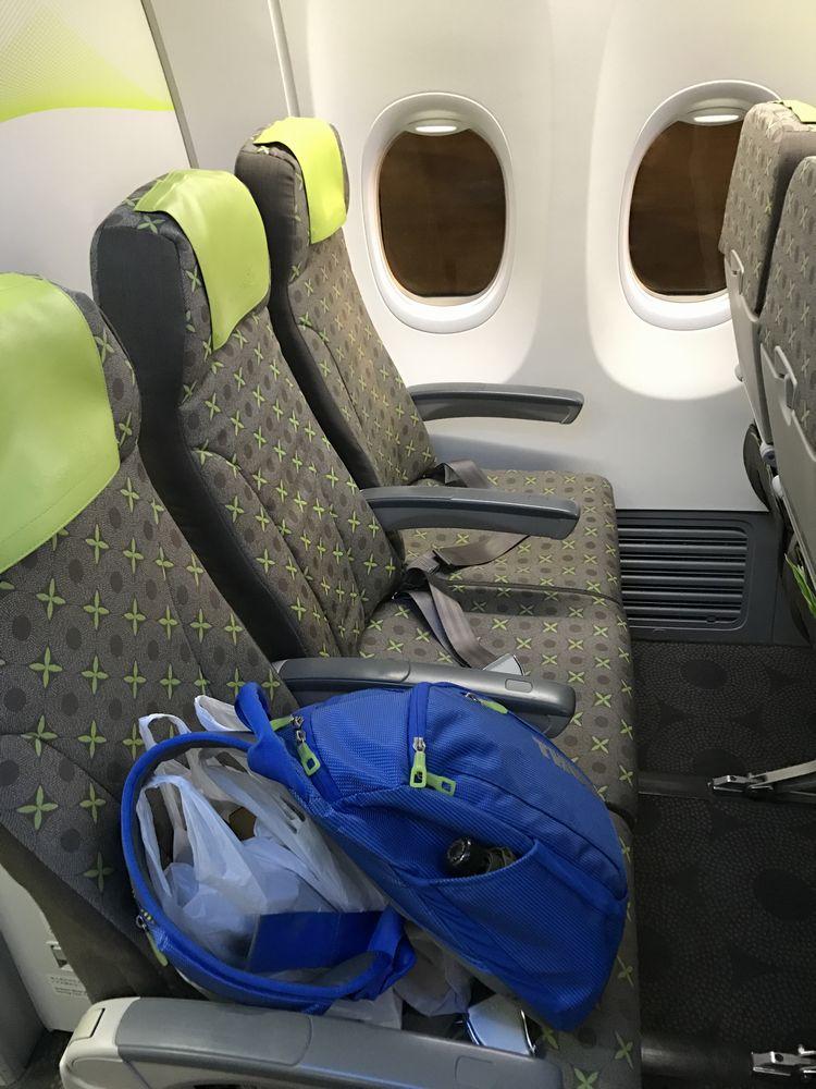 ソラシドエア機材のANA3762便の普通席