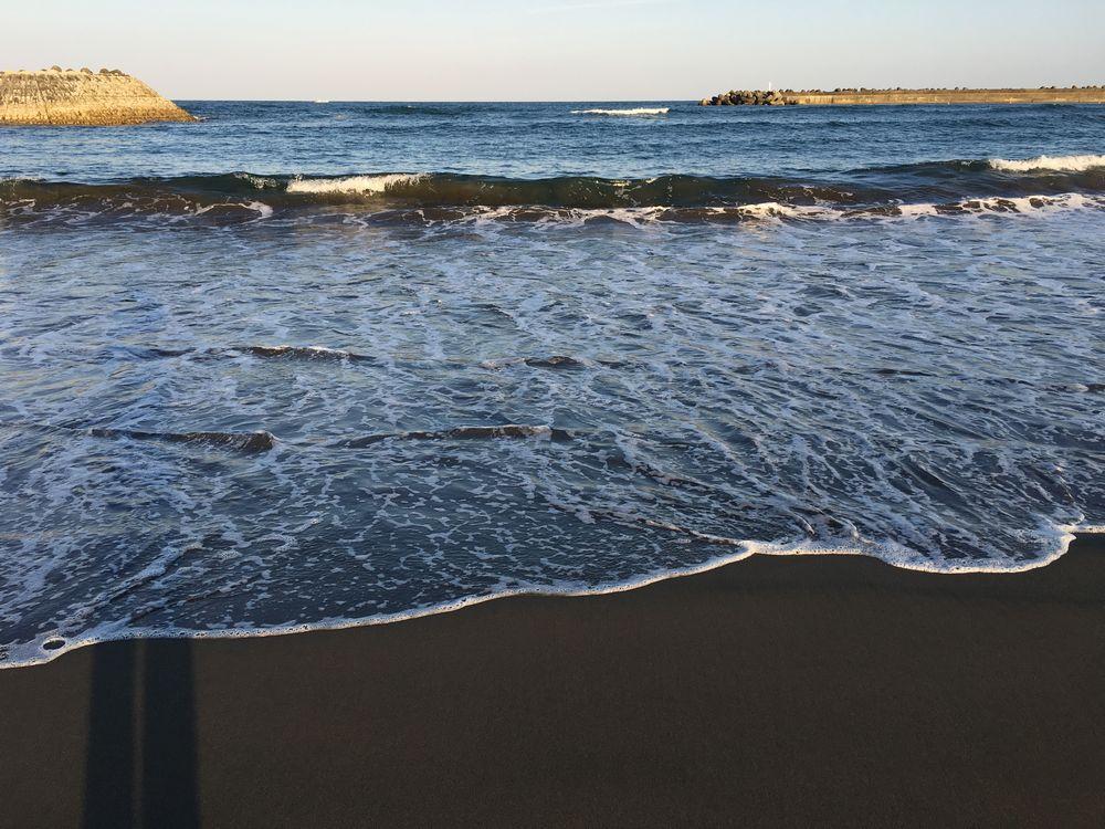 サンビーチ一ツ葉の波