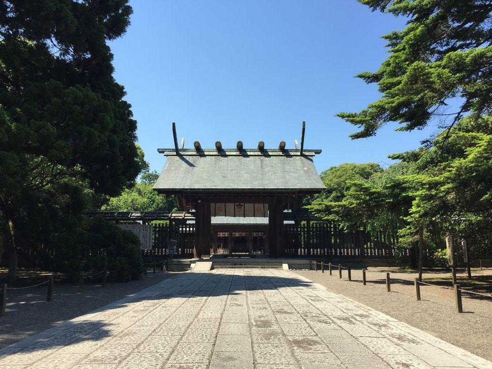 宮崎神宮本殿へ1