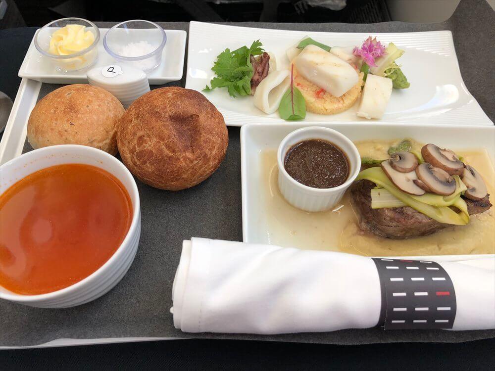 JAL421便ビジネスクラスの機内食1
