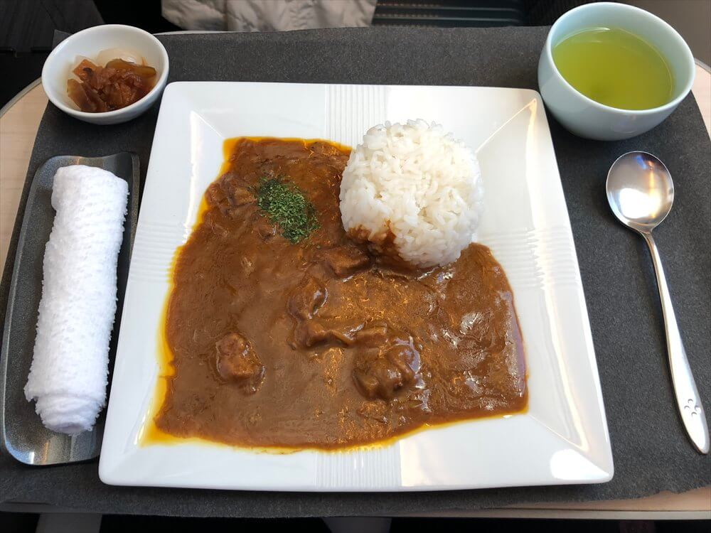 JAL421便ビジネスクラスの「味のガンジス」のカレー