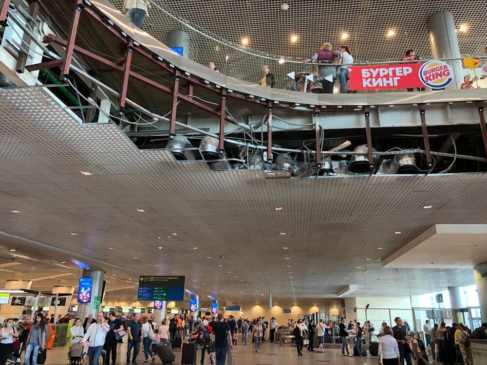 ドモジェドヴォ空港(DME)の天井