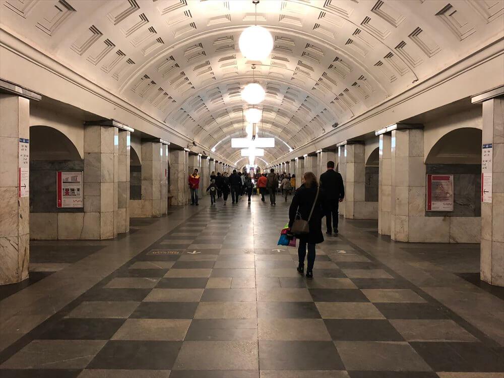 モスクワの地下鉄のホーム