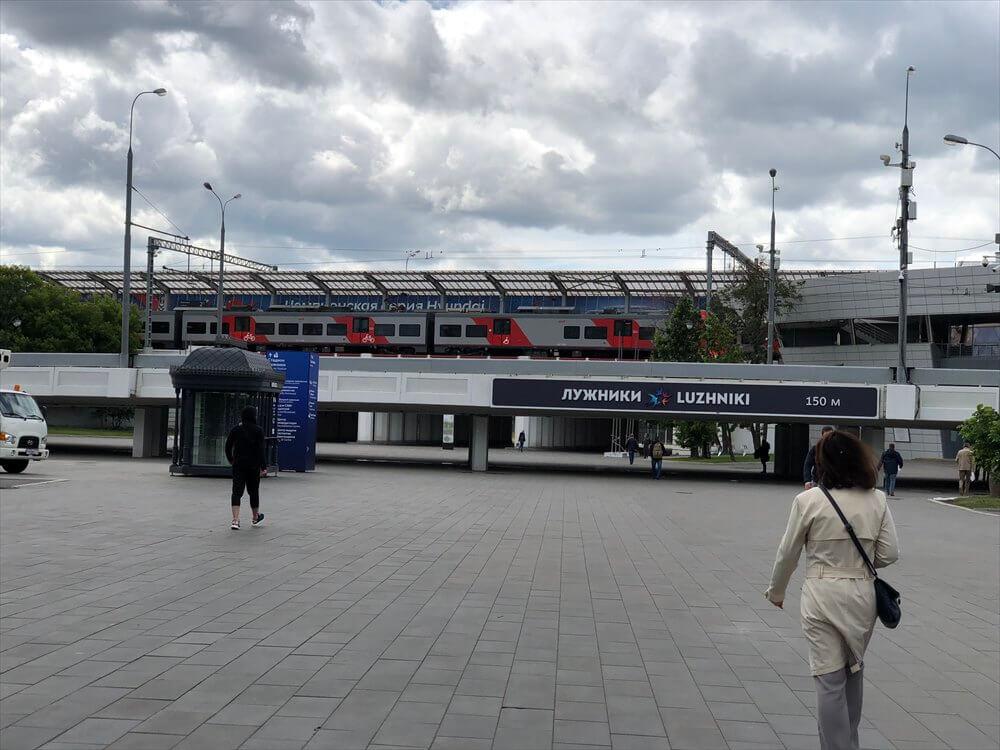 Sportivnaya駅からLuzhniki駅方面2