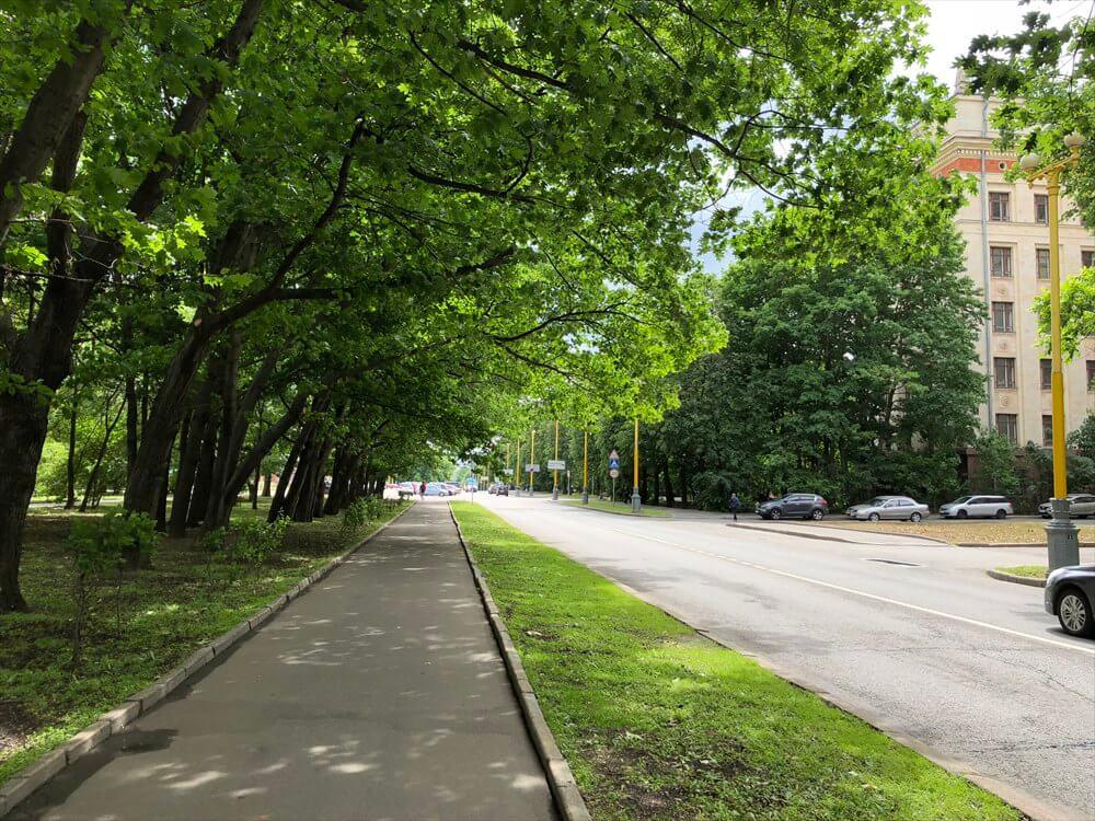 モスクワ大学の通り