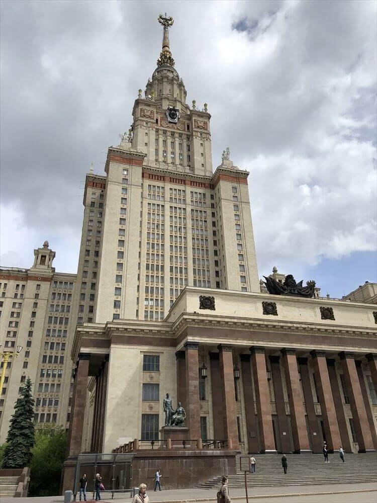 モスクワ大学の正面玄関1