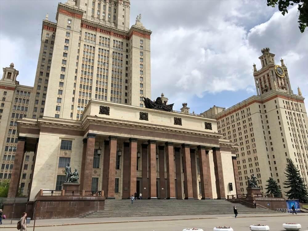 モスクワ大学の正面玄関2