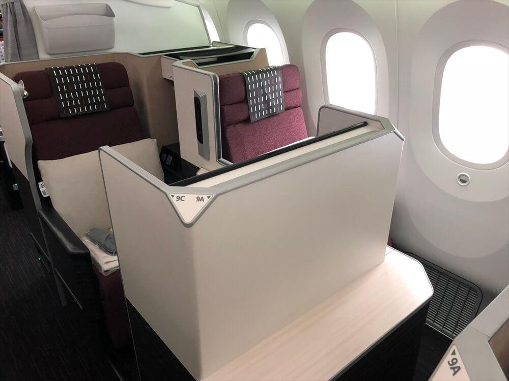 JAL422便ビジネスクラスの9A座席1