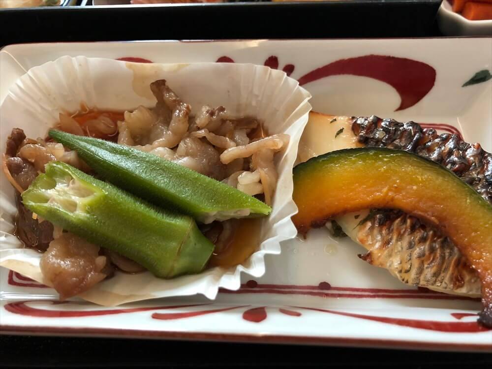 JAL422便ビジネスクラスの機内食(和食)2