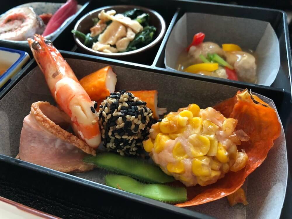 JAL422便ビジネスクラスの機内食(和食)3