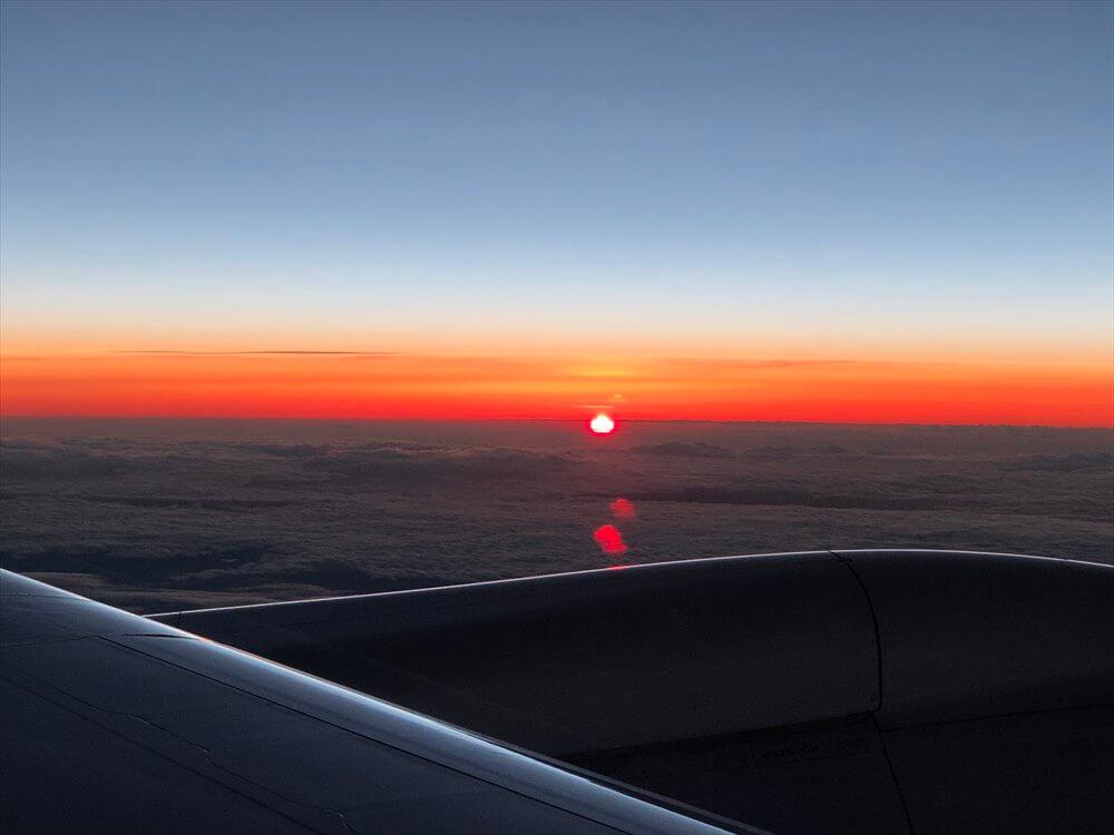 JAL422便ビジネスクラスからの夕日1