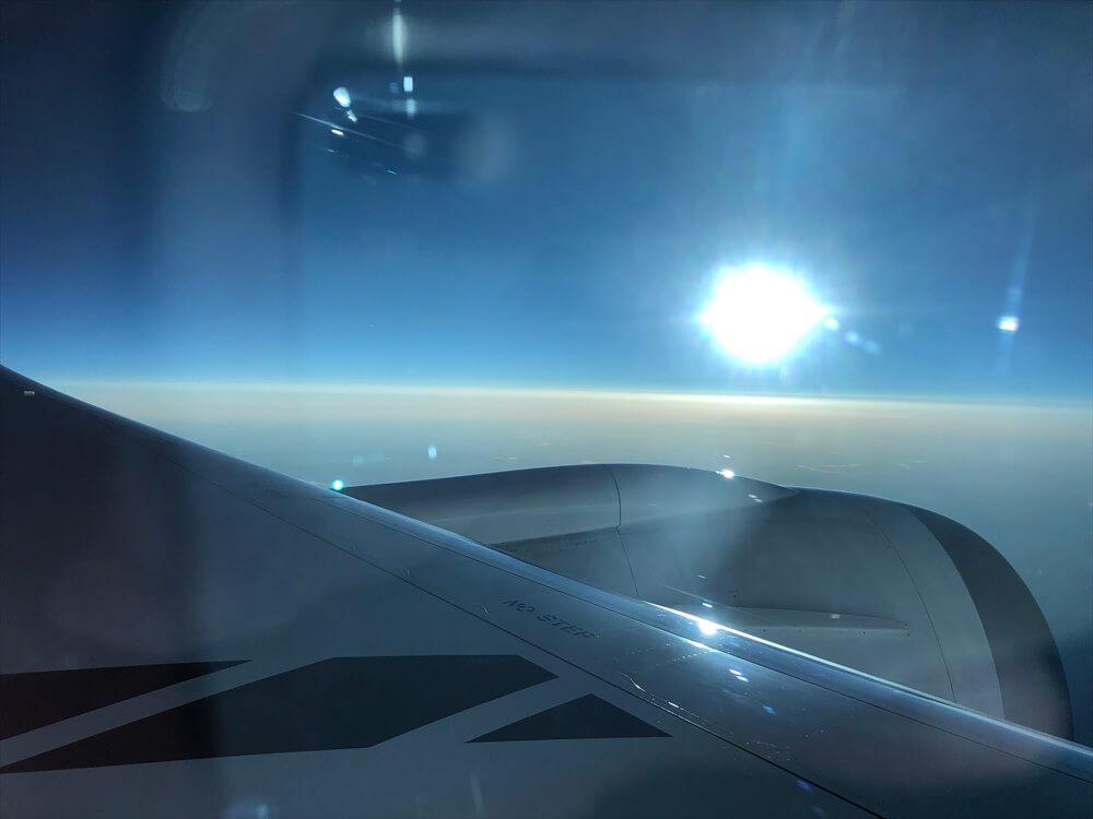 JAL422便ビジネスクラスからの夕日2