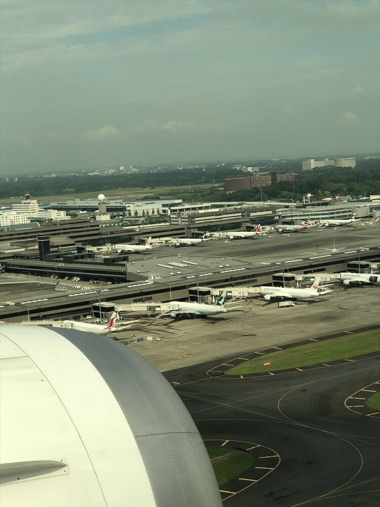 JAL422便の成田到着