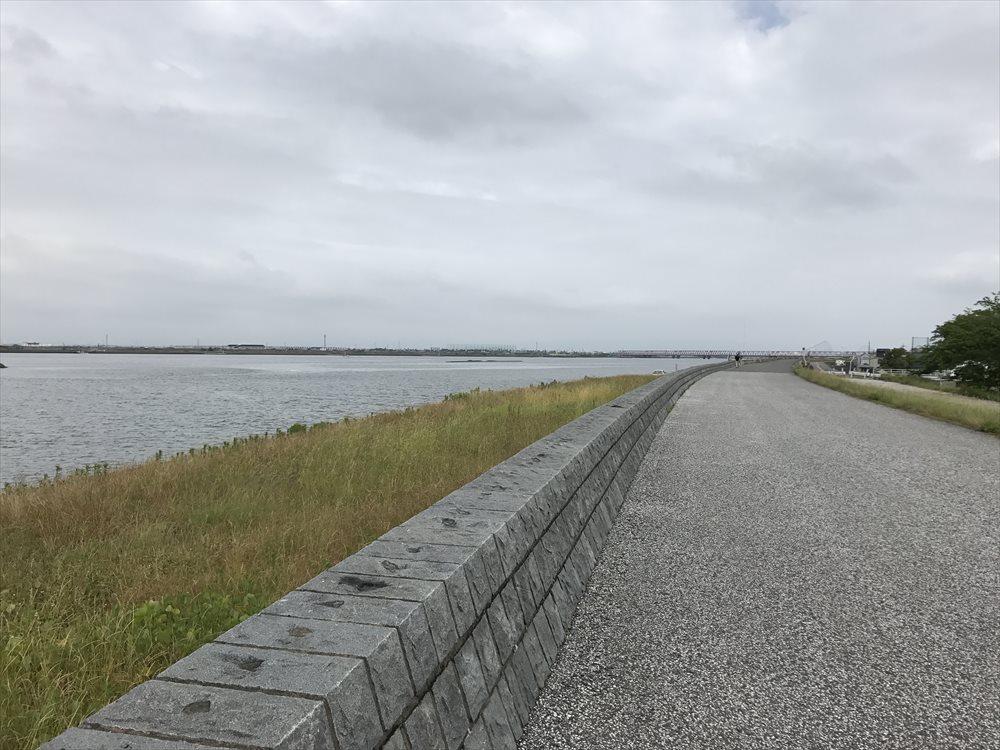 揖斐川沿い