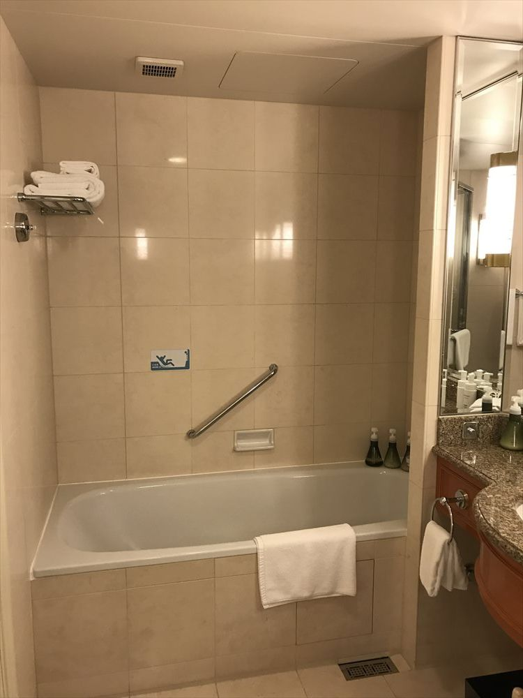 名古屋マリオットアソシアホテルのデラックスツインルーム(浴室)