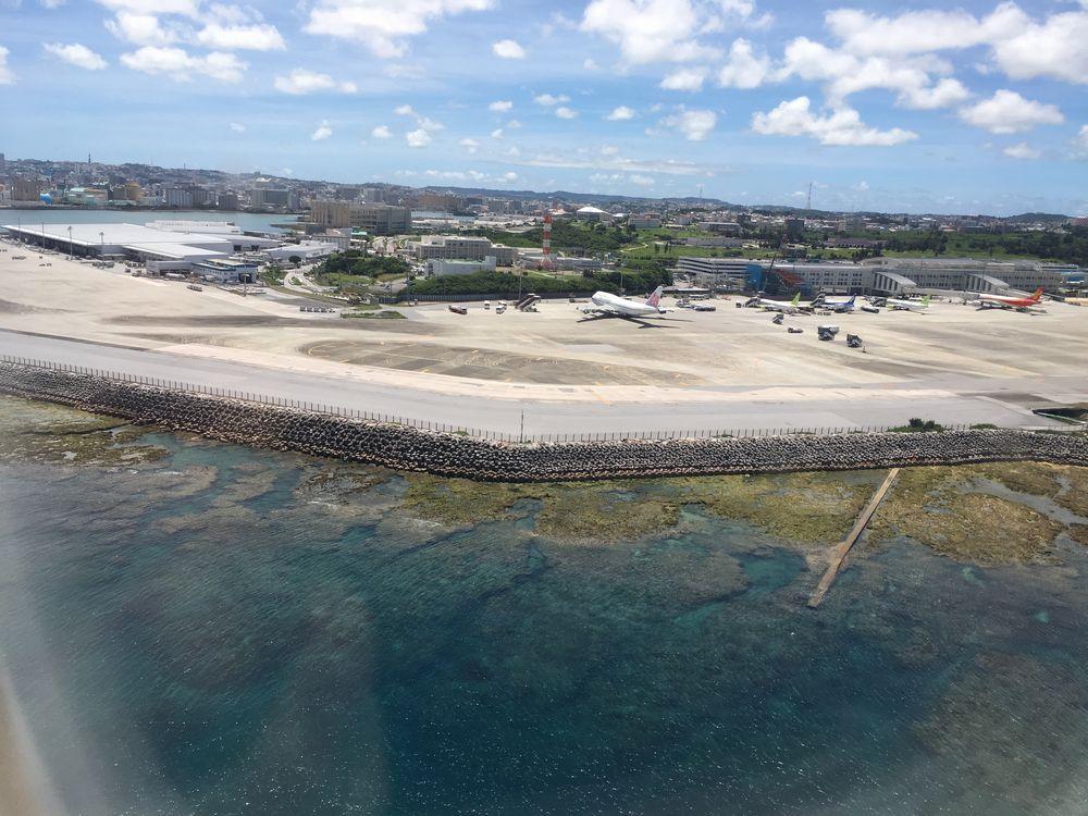 飛行機から見た那覇空港