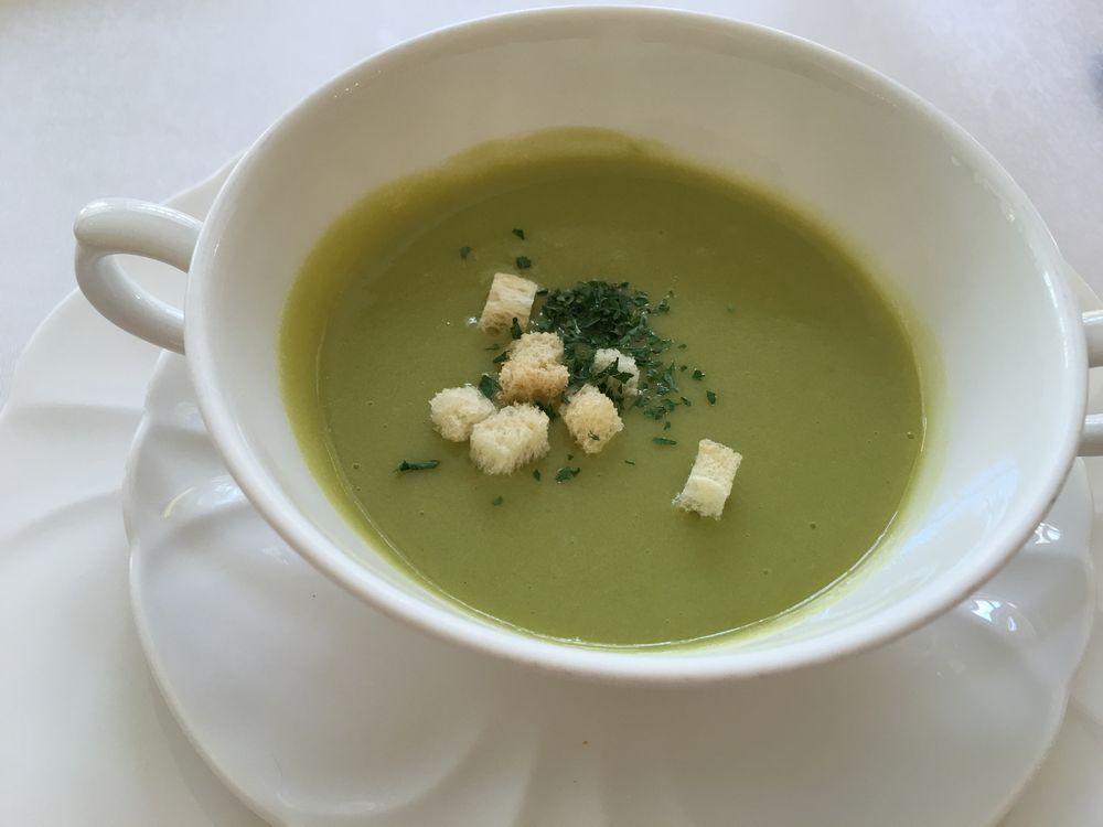ザ・ナハテラスのグリーンピースのスープ