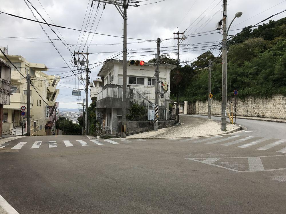 赤マルソウ通りの急傾斜1
