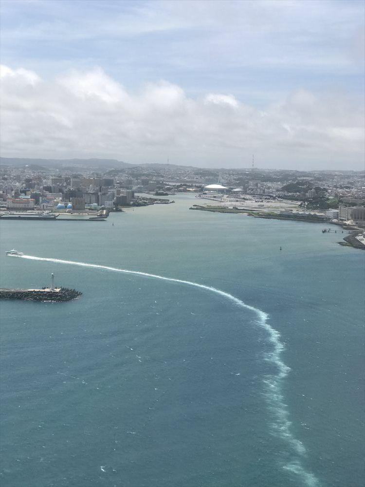 JAL905便からの那覇上空