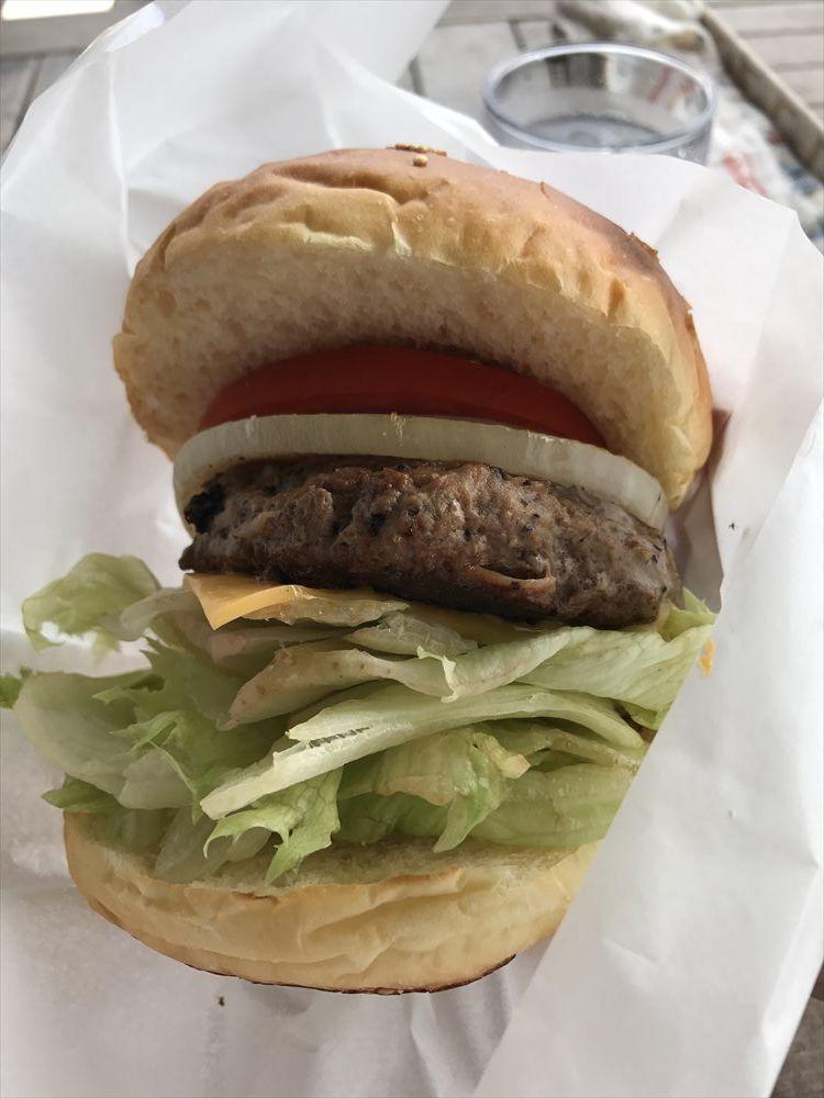 リゾートカフェカイのアメリカンジューシーハンバーガー