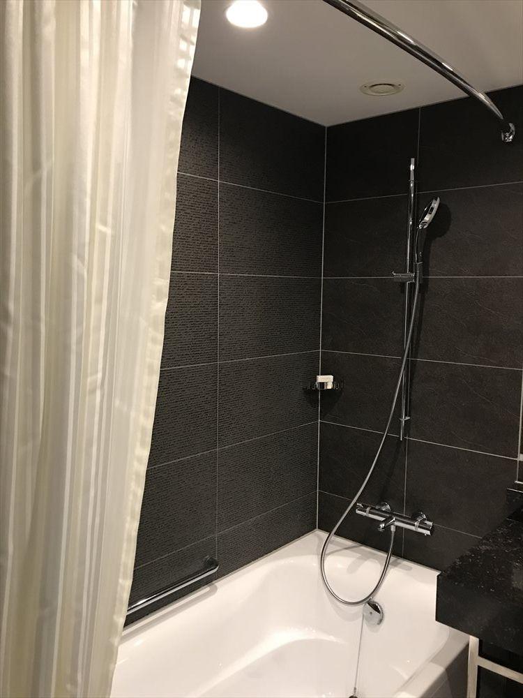ハイアットリージェンシー那覇沖縄のツインルーム(シャワー)