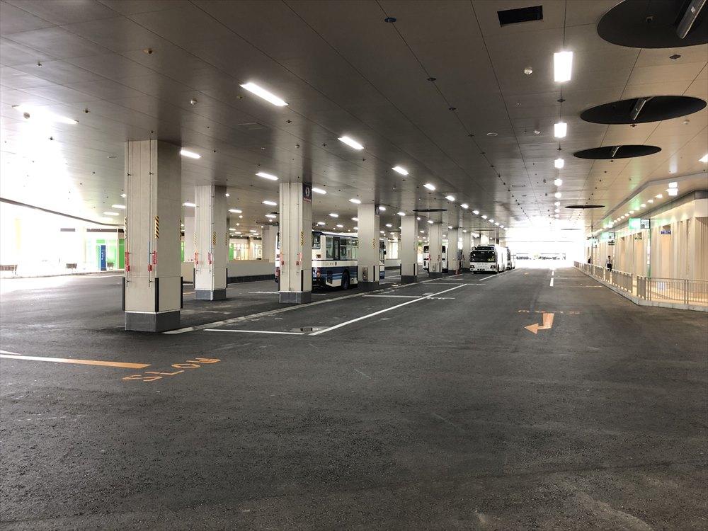 カフーナ旭橋のバスターミナル