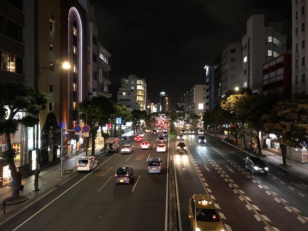 19時の松山交差点