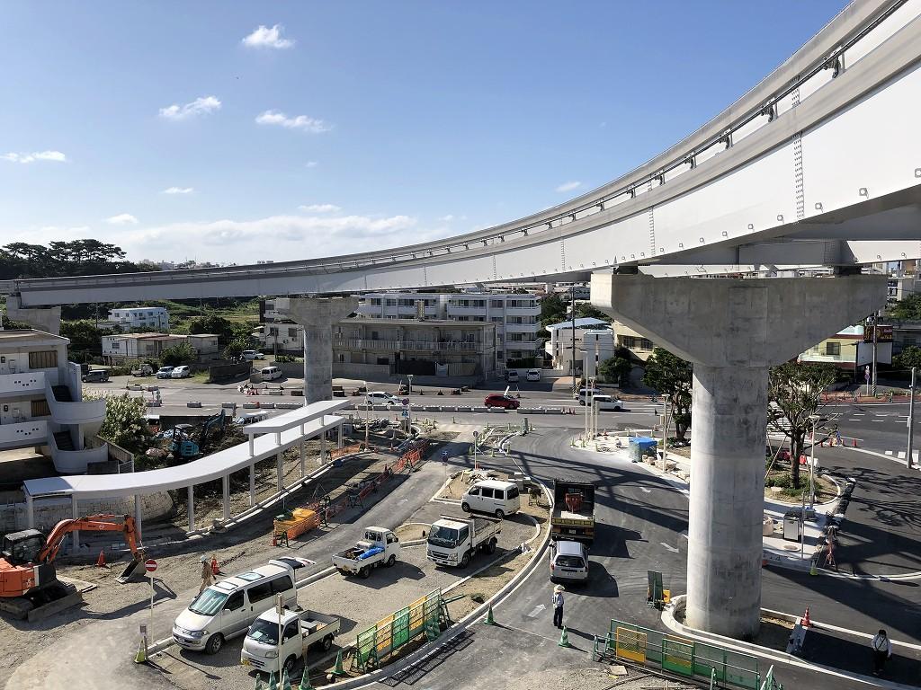 浦添前田駅のゆいレールの支柱1