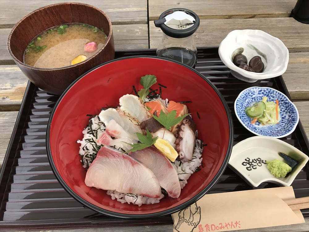 みやんだの海鮮丼1