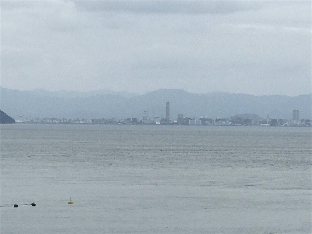 直島から高松シンボルタワー2