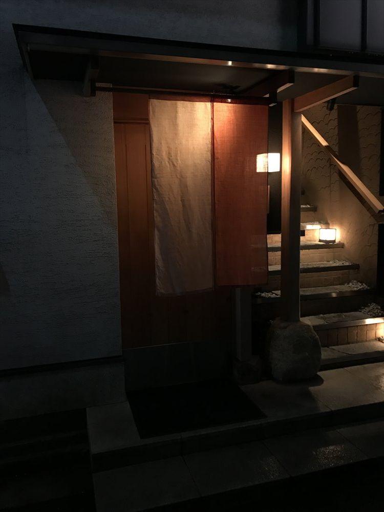 寿司 中川の入口