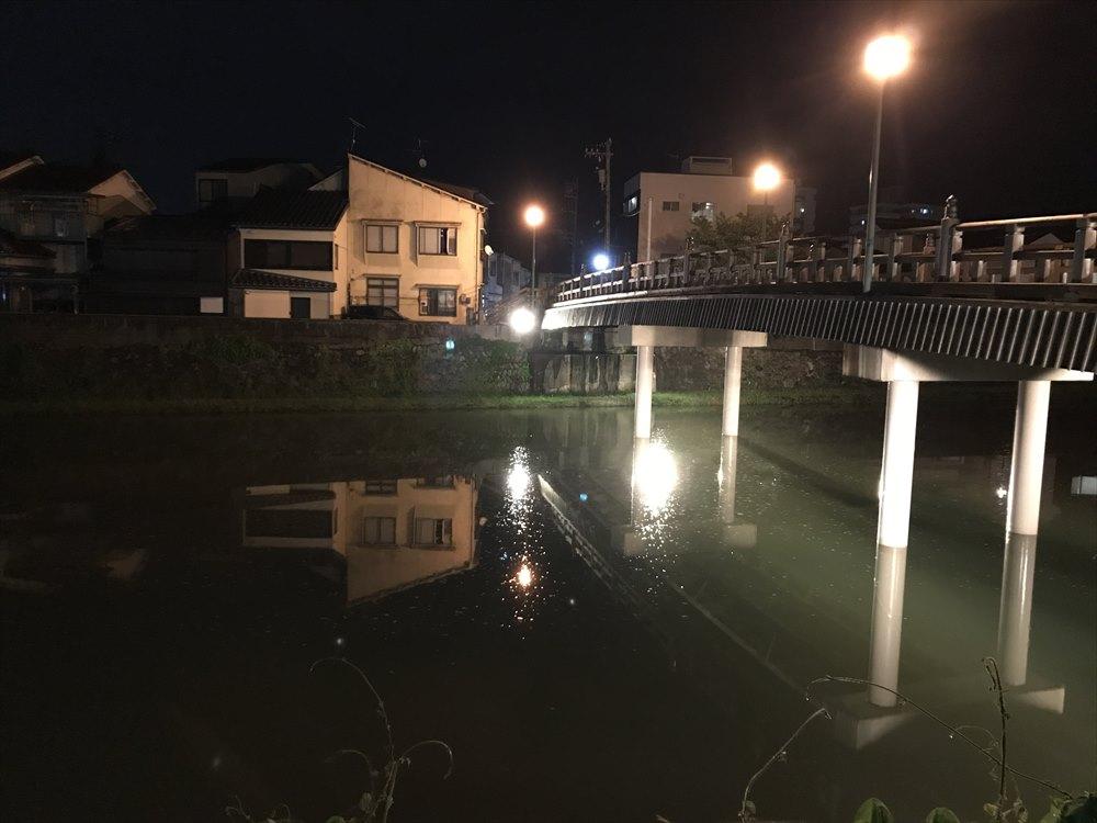 主計町の中の橋