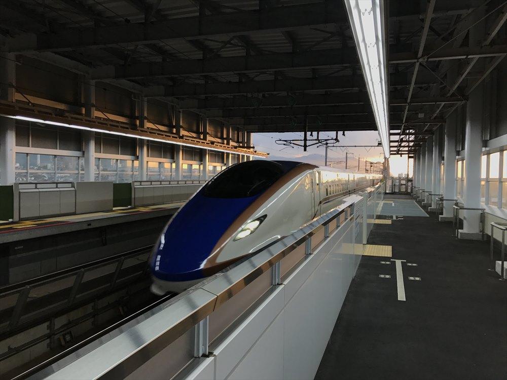 糸魚川駅のはくたか572号