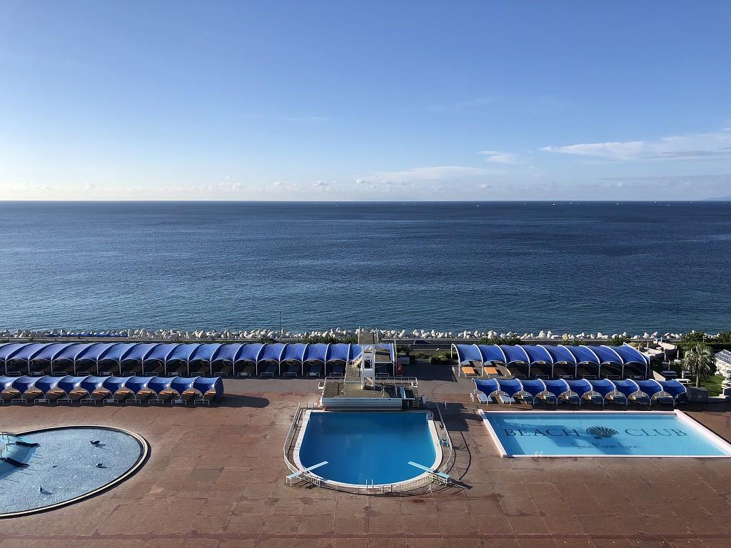 大磯プリンスホテルから快晴の海