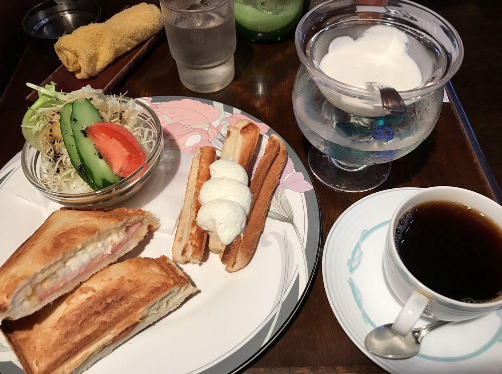 喫茶かわいのハムとチーズのホットプレスサンドセット