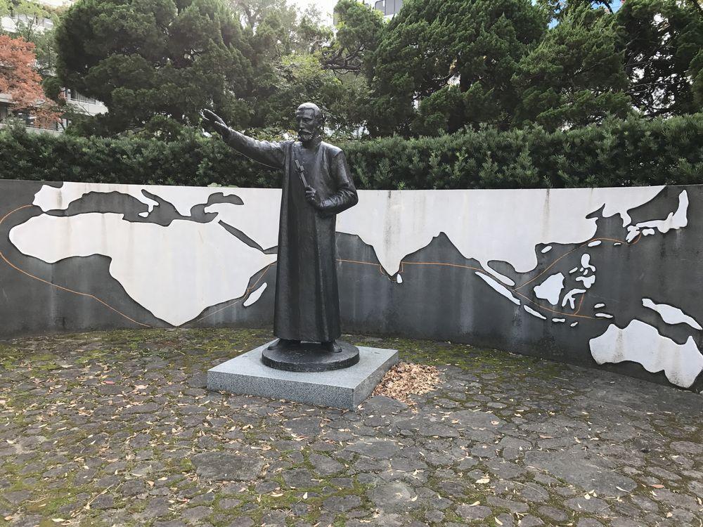 大分市のフランシスコ・ザビエルの記念像