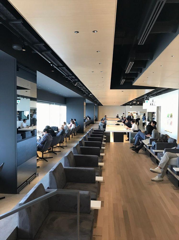 羽田空港のPOWER LOUNGE SOUTH全景