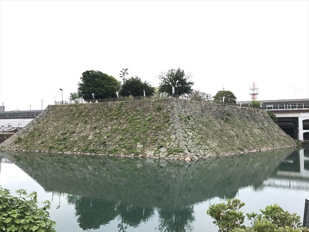 三原城本丸跡に建つ三原駅1
