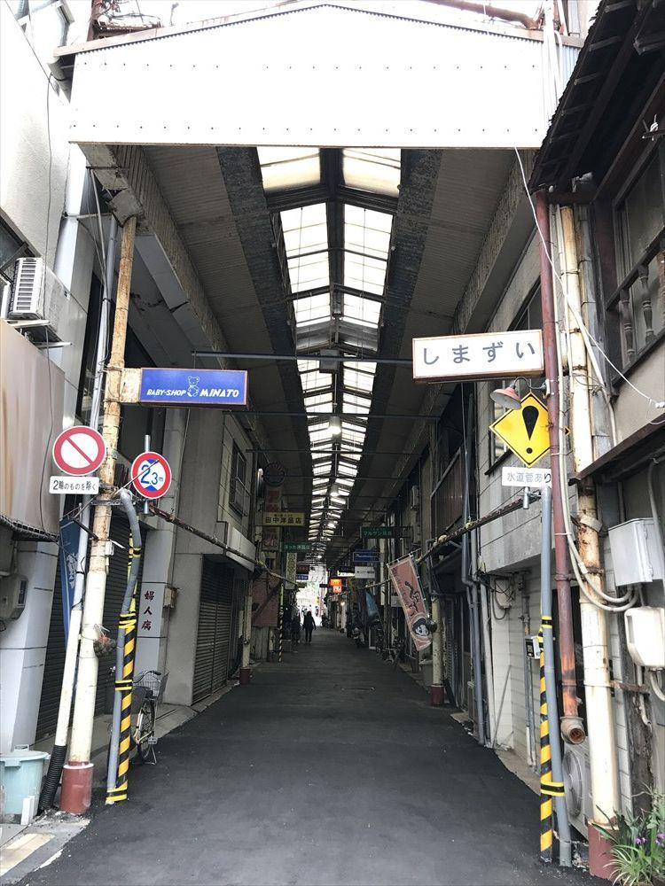 尾道の住吉神社近くの商店街