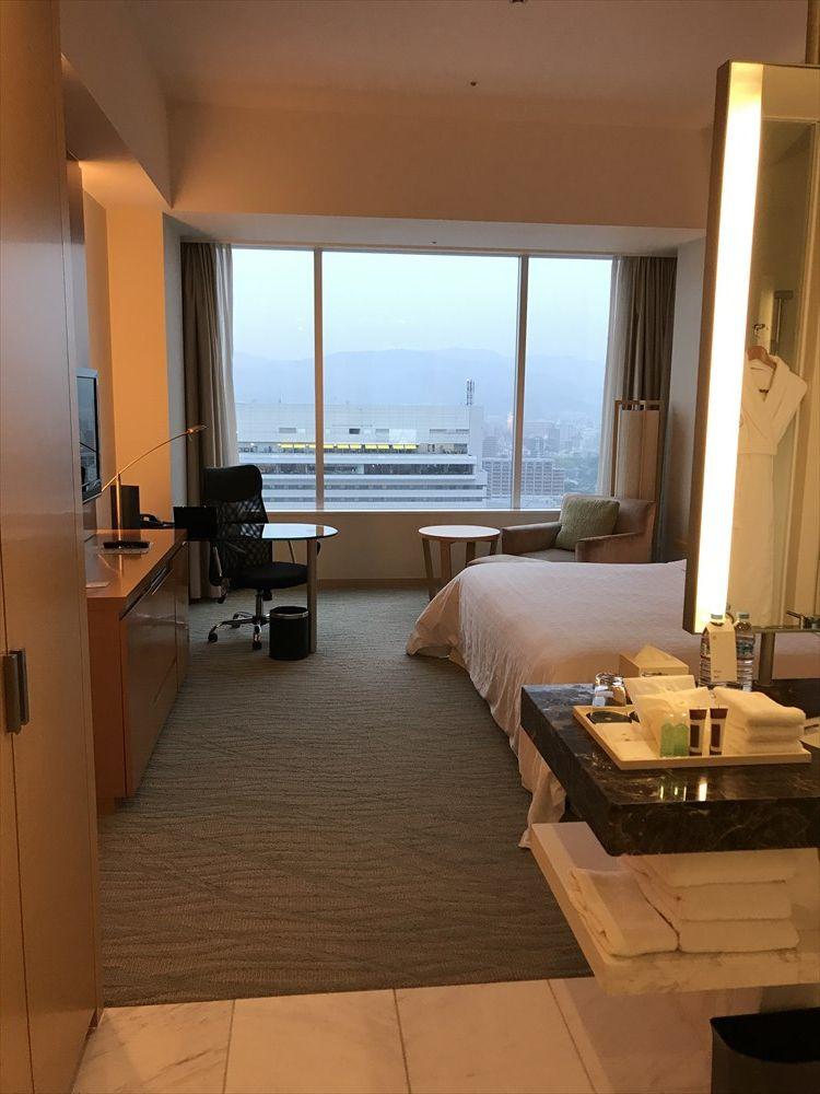 シェラトングランドホテル広島のクラブルーム(窓側)