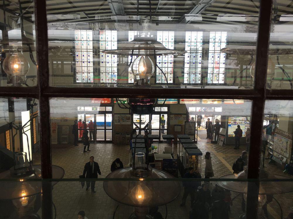 小樽駅のホームから改札の眺め